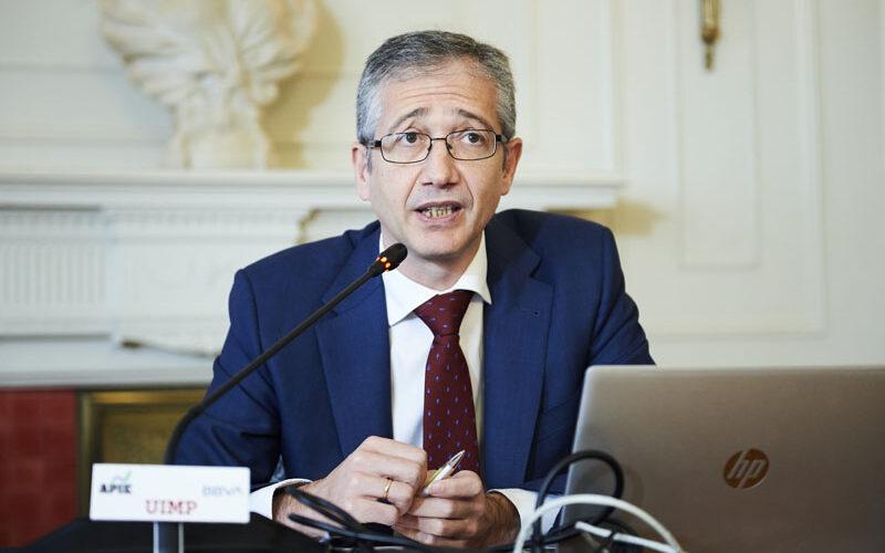 """El gobernador del Banco de España pide """"consensos políticos amplios"""" para afrontar la reestructuración económica pospandémica"""